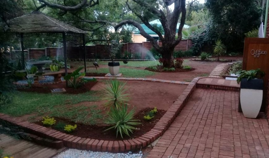 Welcome to Shalamanzi Lodge in Hartbeespoort Dam, Hartbeespoort, North West Province, South Africa