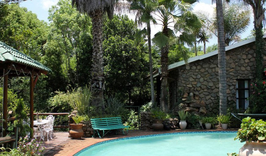 The Sabie Townhouse features an outdoor swimming pool