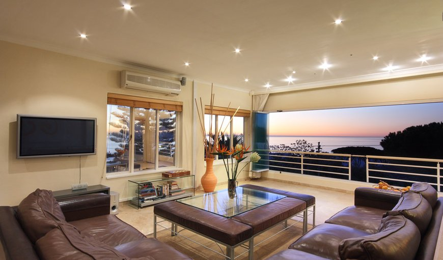 Villa Lounge with ocean views and balcony
