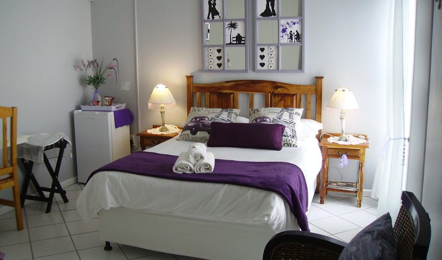Lavender room- A lovely, spacious room is equipped with a double bed with luxury bedding. Warm in winter and cool in summer.
