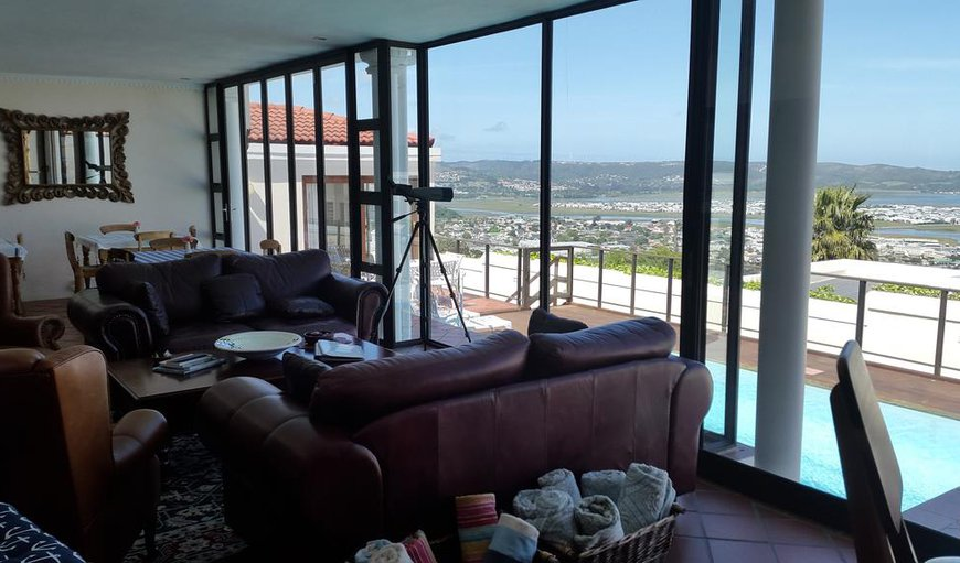Situated at the mountain top and offers breathtaking views of the world renowned Knysna Heads and lagoon.