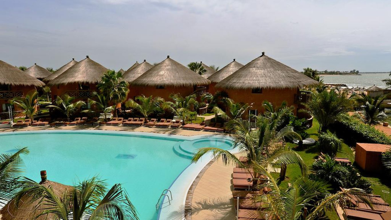 Lamantin beach resort and spa in mbour senegal best for Salon 7 places dakar