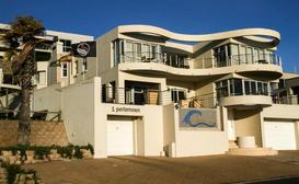 Oceans Nest Beachfront Guesthouse image