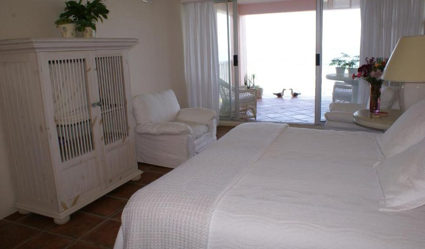 Nellie's Nest - Honeymoon Suite Bedroom with patio.