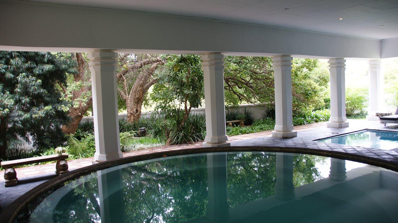 Leeuwenhof country lodge and garden spa in modimolle for Garden salon