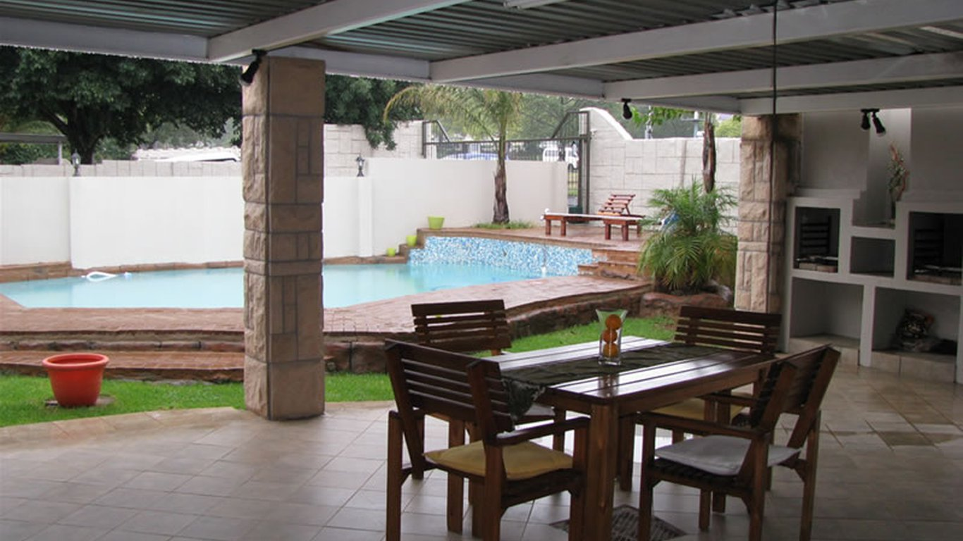 Orchard guesthouse bed and breakfast in fichardtpark - Stadium swimming pool bloemfontein prices ...