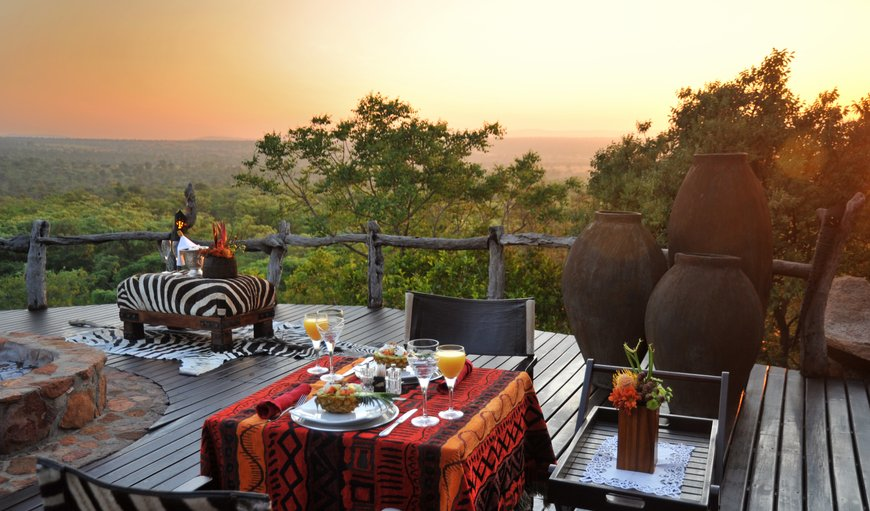 Guests have the choice of dining in the dining room, or for the romantic at heart, a candle-lit boma dinner under an African sky accompanied by the rhythmic beat of Africa's true sounds of nature combining the enjoyment of superb food with the tranquillity of the bushveld.