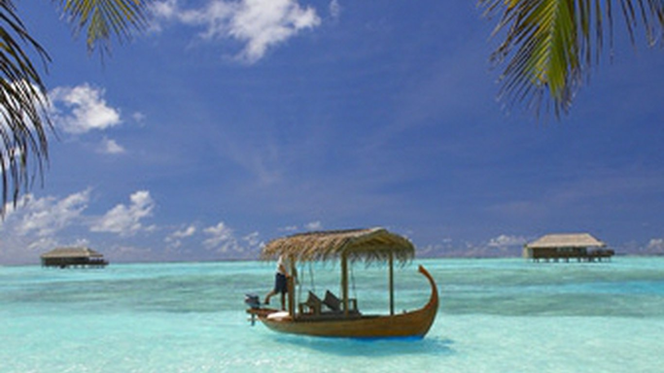 Medhufushi Island Resort In Meemu Atoll Maldives